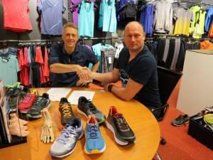 15 jaar sponsoring Runnersworld - GVAV Triathlon
